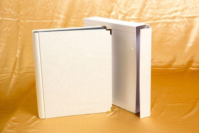 Foto albumi na lijepljenje i umetanje fotografija
